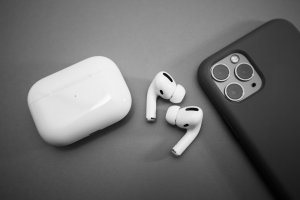 Can You Connect AirPods Without the Case